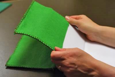 http://1000-podelok.ru/UserFiles/Image/school/oblogka/how-to-make-a-journal-cover-13.jpg