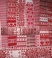 http://upload.wikimedia.org/wikipedia/commons/thumb/1/10/Rushnyk_Ukraine_embroidered_decorative_towels.jpg/220px-Rushnyk_Ukraine_embroidered_decorative_towels.jpg