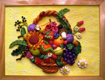 Корзинка с цветами и фруктами из соленого теста