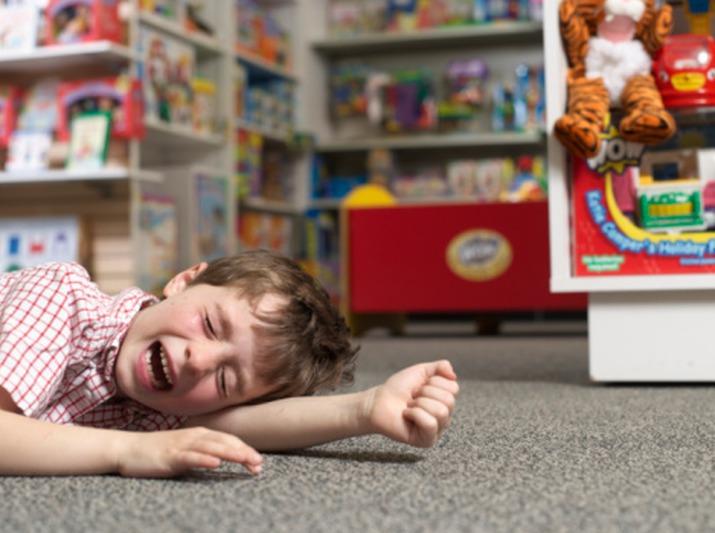Если ребенок закатывает истерику в магазине... . - Женский б…