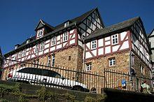 http://upload.wikimedia.org/wikipedia/commons/thumb/4/41/Marburg_Kilianskapelle_07.jpg/220px-Marburg_Kilianskapelle_07.jpg