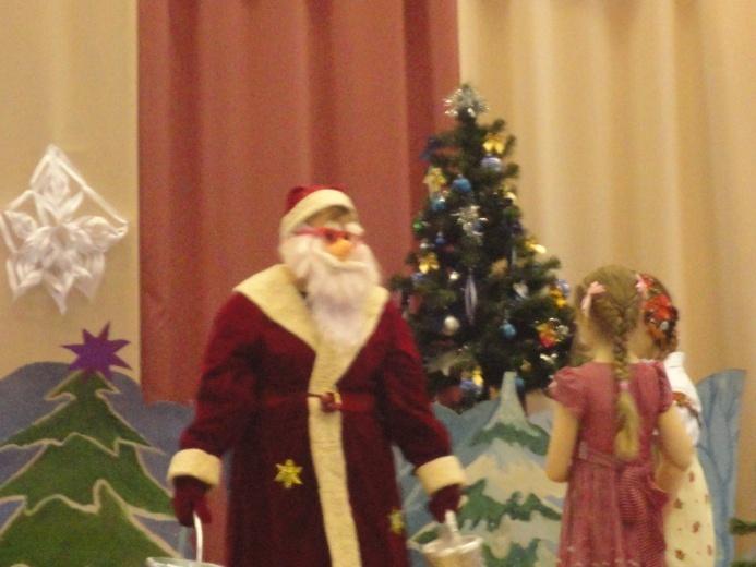 D:\фотографии 2 а к празднику Рождества\103MSDCF\DSC01204.JPG