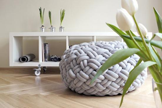 Декоративная подушка-пуф