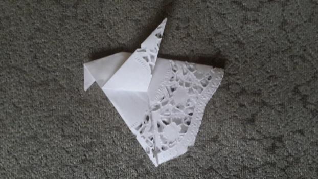 C:\Users\Олеговна\Desktop\НАЧАЛОСЬ\15-16 уч год\урок мира\оригами\20150726_175241.jpg