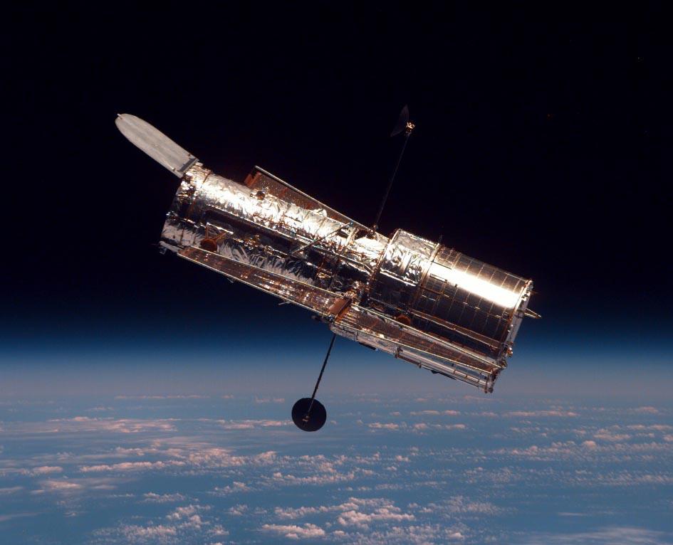 D:\11 класс\Астрономия уроки\телескопы фото, презентации\11 орбитальный Hubble_01.jpg