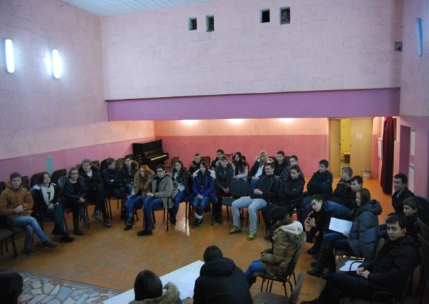 \\Emk.ru\teachers\Фотогалерея\2014-12-06-07 - Учёба избранного студсовета ЧЭМК\DSC_0452.jpg