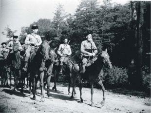 Казак – воин, принадлежащий к особому сословию казаков легкого конного войск