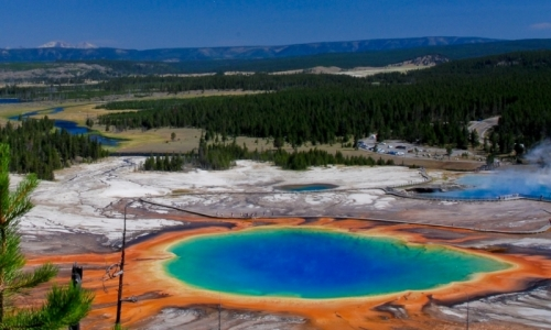 http://cdn.jacksonholenet.com/images/content/427_684_Yellowstone_National_Park_Grand_Prismatic_Spring_md.jpg