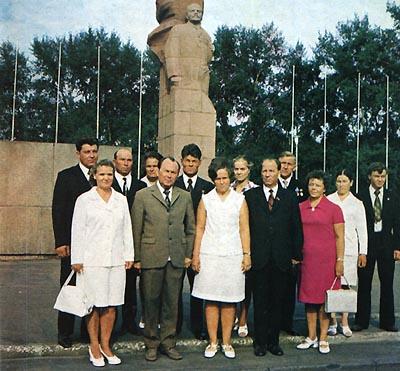 H:\Морозов\3Депутаты Верховного совета 1964.jpg