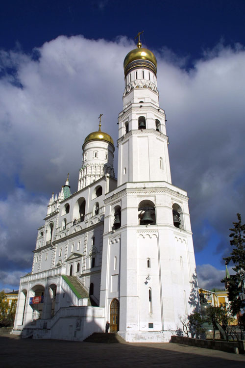 http://upload.wikimedia.org/wikipedia/commons/9/9b/Ivan_the_Great_Bell_Tower_Kremlin.ru.jpg